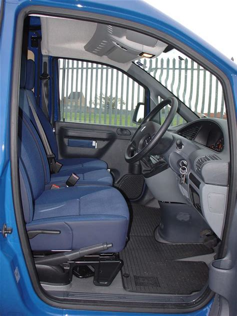 peugeot expert interior used peugeot expert 96 06 gallery parkers