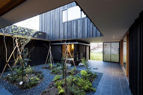 gallery  courtyard house  peach garden takeru shoji