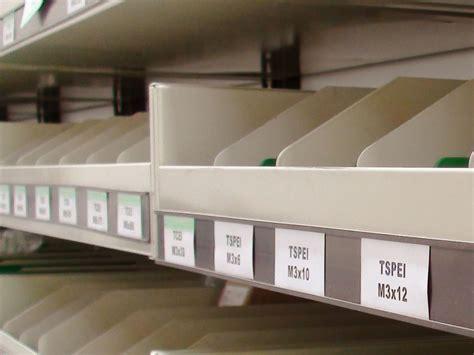 etichette magnetiche per scaffali leanproducts portaetichette magnetico a c con cartoncino