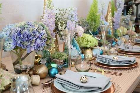 Festive Table Decorations A Blue And Gold Festive Table Setting Sa Garden And Home