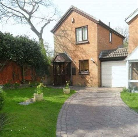 2 bedroom house to rent in sutton 2 bedroom detached house to rent in harcourt drive sutton