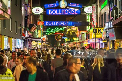 hamburg reeperbahn reeperbahn stock photos and pictures getty images