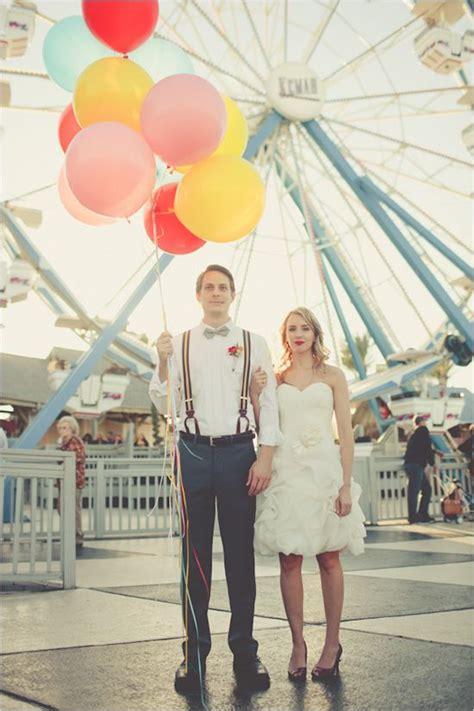 giant balloon wedding ideas   big day deer