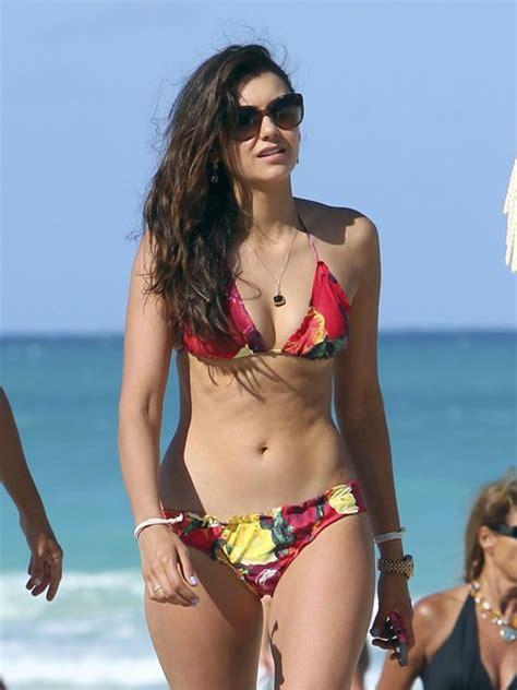 platted pubes images bikini treat nina dobrev general skinny vs curvy