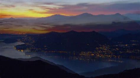da sogno tramonto da sogno sulle montagne lago di como