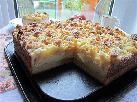 kuchen rezepte mit löffelbiskuit apfel vanillecreme kuchen mit amarettini streuseln