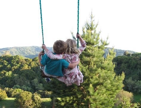 swing story フリー画像 人物写真 子供ポートレイト 少年 男の子 少女 女の子 外国の子供 恋人