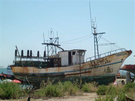 รูปภาพ : ทะเล, เก่า, boot, ยานพาหนะ, หัก, ท่าเรือ, ทางน้ำ ...