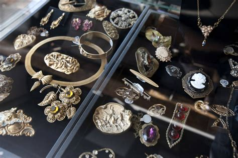 where to find for jewelry 8 stores to buy vintage jewelry in toronto