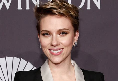 scarlett johansson opens up about dating again reveals