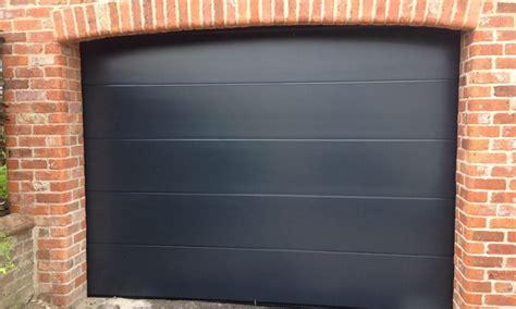 Garage Door Repairs Hull by Garage Doors Hull We Specialise In Installing Garage Doors