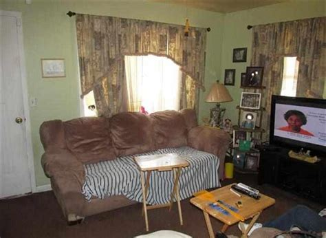 Windows Apartment Threading 13 Signs You Need To Move Out Of Your Parent S House