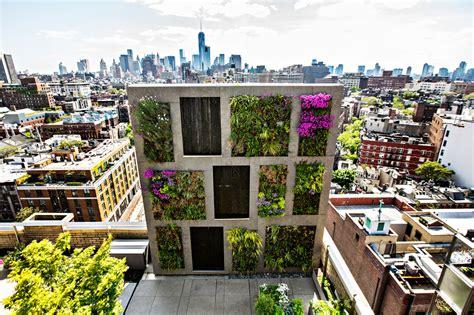 Vertical Gardens Nyc Gardening Taken To New Heights Organic Gardener