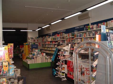 libreria caserta libreria mondadori caserta exibart