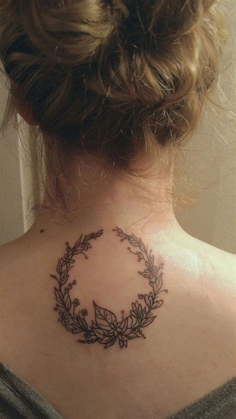 laurel wreath tattoo best 25 laurel wreath ideas on laurel