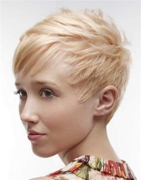 strawberry face shape 10 cute short hairstyles for round faces short