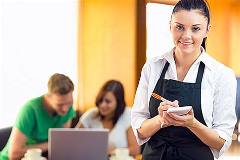 waffle house orders waitress to return 1 000 tip