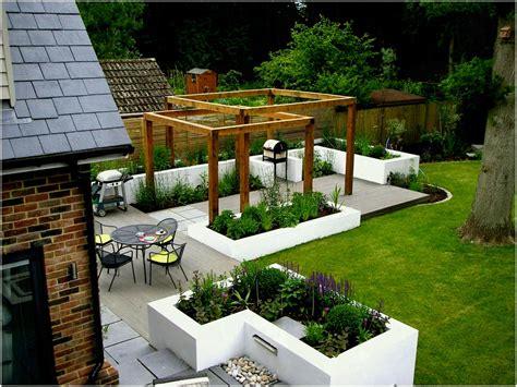 knockout backyard patio ideas gravel design kitchen