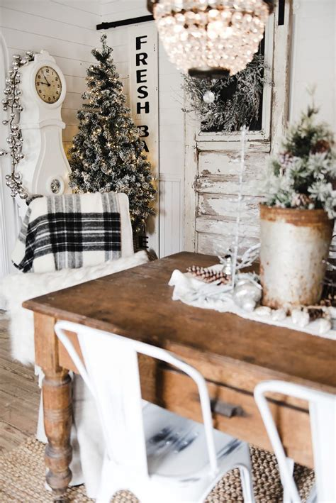 rustic glam farmhouse dining room