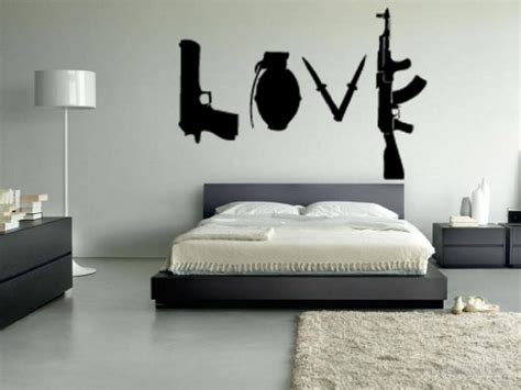 Wandaufkleber Banksy by Ein Banksy Wandtattoo In Der Wohnung Begeistert