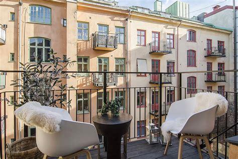 kleine holzhäuser zum wohnen klein appartement met open keuken en slaapkamer binnenkijken