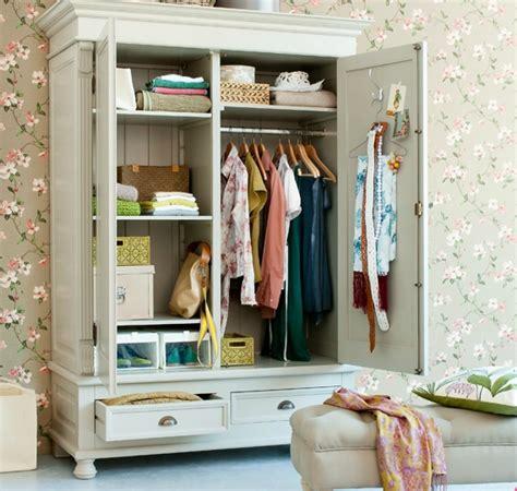 Wallpapering A Closet Wallpapersafari | wallpapering a closet wallpapersafari