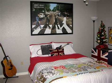 simple music bedroom decor for children with l music inspired bedrooms for teenagers rilane