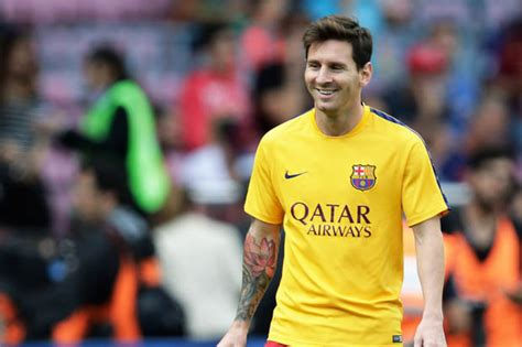 Kaos Aaf Messi 2 Oceanseven revealed the united and chelsea starlets lionel messi is backing for world