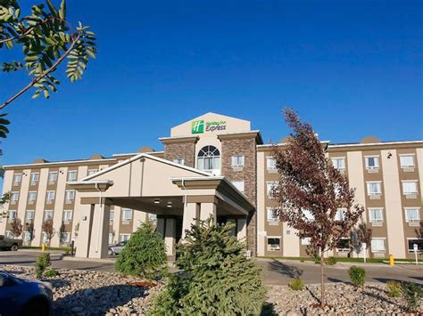 holiday inn express suites discover saint john holiday inn express holiday inn express fort st john hotel
