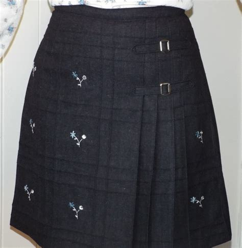 pattern review skirts simplicity vintage pleated skirt 7595 pattern review by