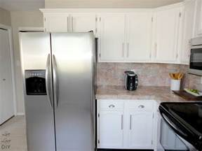 Can You Paint Kitchen Cabinets White Livelovediy How To Paint Kitchen Cabinets In 10 Easy Steps