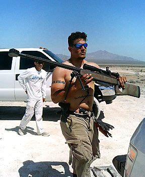 ufc選手と銃練習 実弾射撃 総合格闘技指導 striking unlimited combat sports