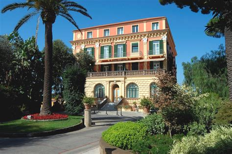 italy luxury hotels the best luxury resorts grand hotel excelsior vittoria sorrento