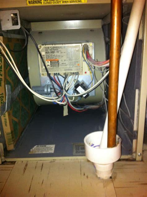 Ac Unit Leaking Water On Floor by Rpj Ii Air Conditioner Leaking Water Fan Drain In