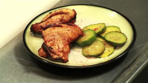 video cooking time for grilled chicken thighs