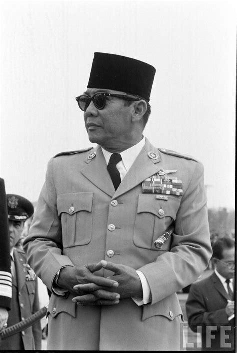 biodata ir soekarno bahasa jawa ir soekarno pejuang sekaligus presiden ri pertama