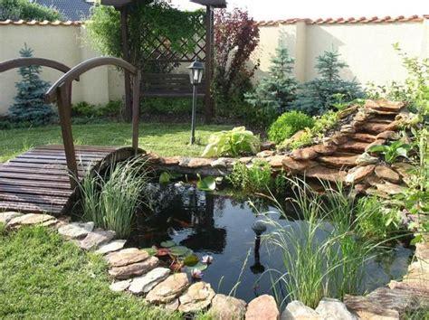 les 25 meilleures id 233 es de la cat 233 gorie bassins de petit jardin sur petits 233 tangs de