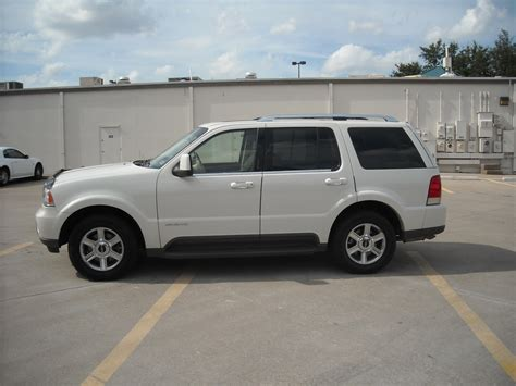 lincoln aviator 2003 lincoln aviator tailgate images
