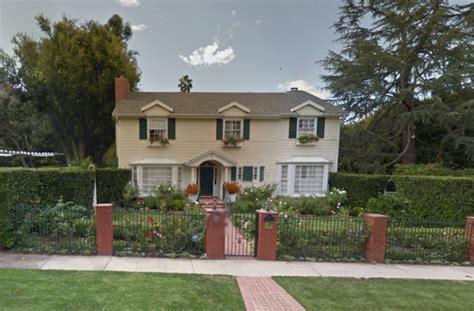 bryan cranston house 5 homes of 2014 emmy award winners huffpost