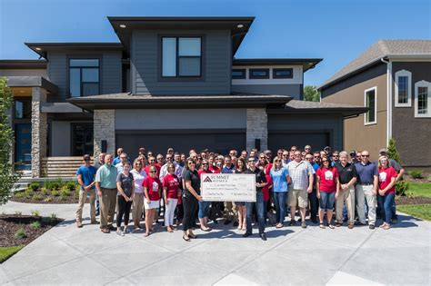 Hr Home by Summit Homes Donates 718 000 To St Jude Children S