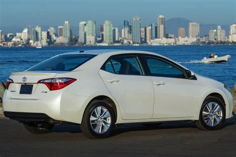 Toyota Corolla Review 2015 2015 Toyota Corolla New Car Review Autotrader