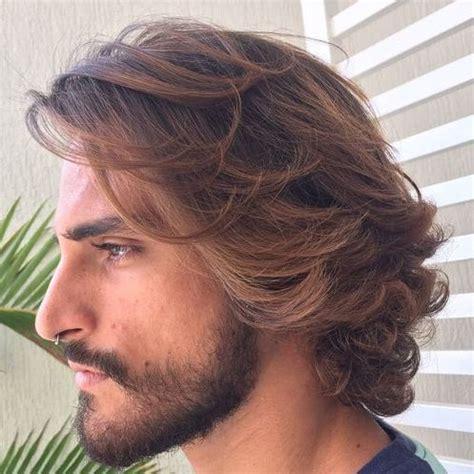 men brushing hair behind ears medium hairstyles brushed ears best 25 short hairstyles