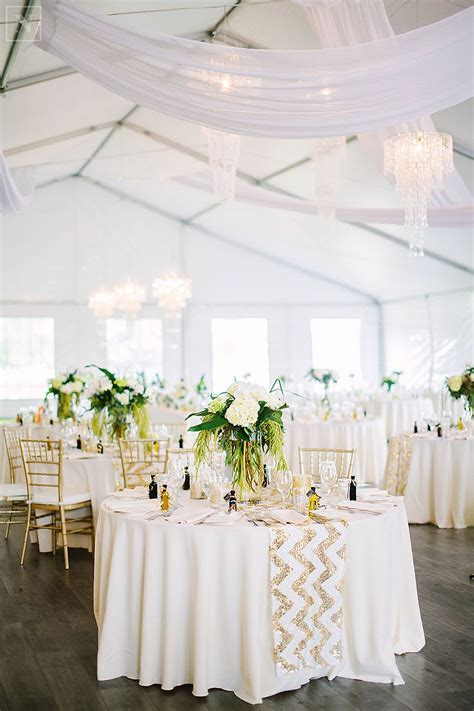 tent wedding, gold and white wedding, fresh florals
