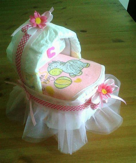 culla di pannolini culla di pannolini con tulle rosa e fiorellini bambini
