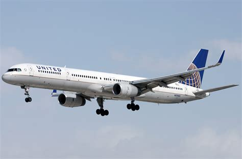 united flight boeing 757 300 united airlines photos and description of