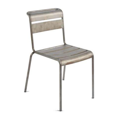 chaise en métal chaise industrielle en m 233 tal lutetia 4 pieds tables