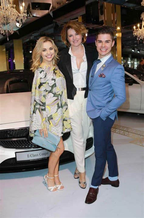 lucy lawless new zealand lucy lawless stills at new zealand fashion week 114072