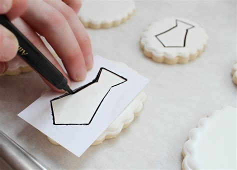 How To Make A Stencil With Tracing Paper - a paper cookie stencil the sweet adventures of