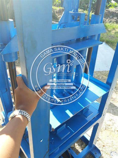 Jual Cetakan Batako Di Medan mesin cetak batako paving sistem getar toko mesin madiun