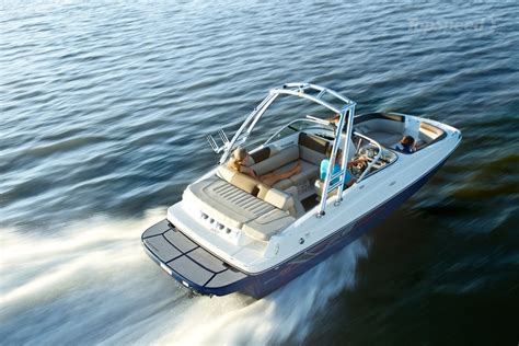 deck boat reviews 2015 bayliner 195 deck boat picture 625257 boat review
